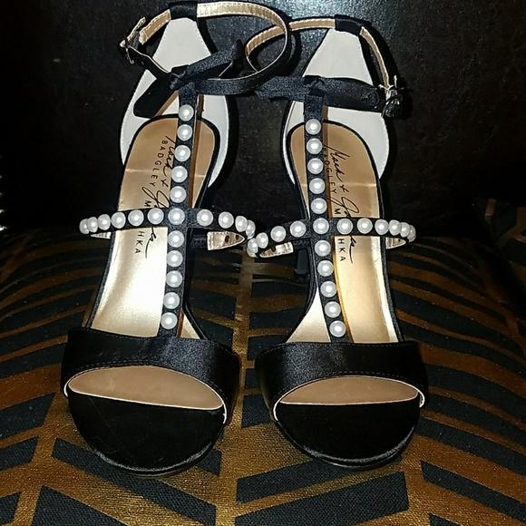d8c95e2c Badgley Mischka Shoes - Badgley Mischka Black Pearl Heels